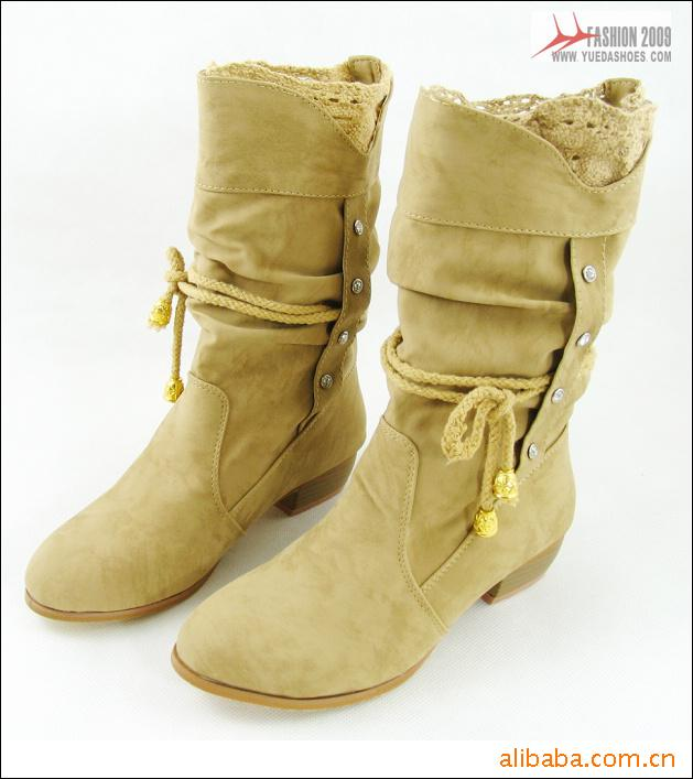 Dantelli bayan çizme modelleri